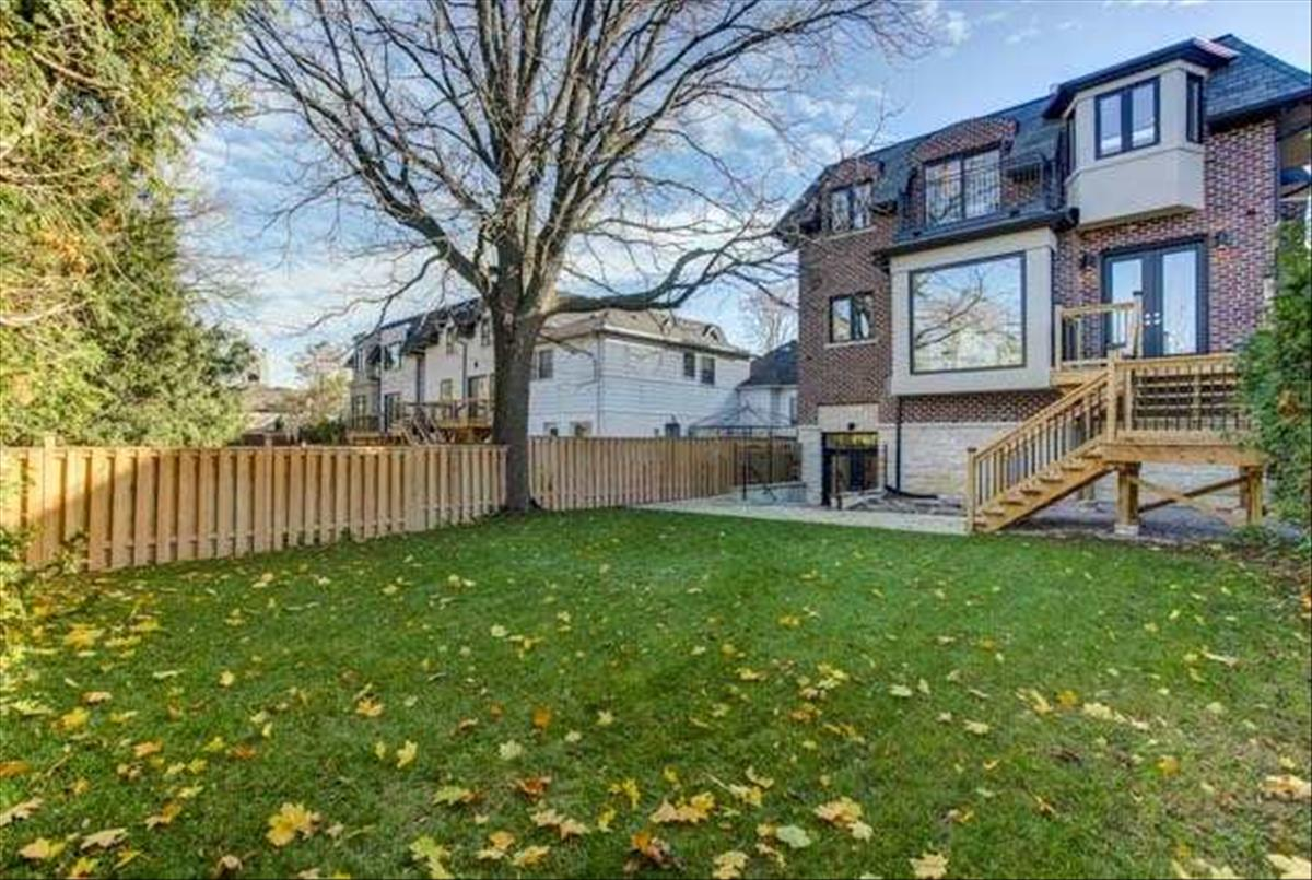 126 Park Home Ave Toronto Bella Lee