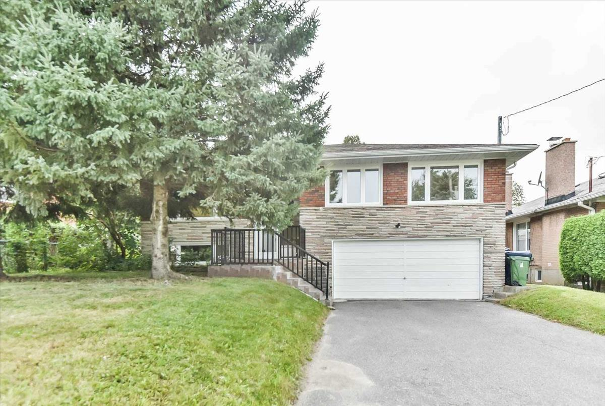 10 Bowerbank Dr Toronto Bella Lee