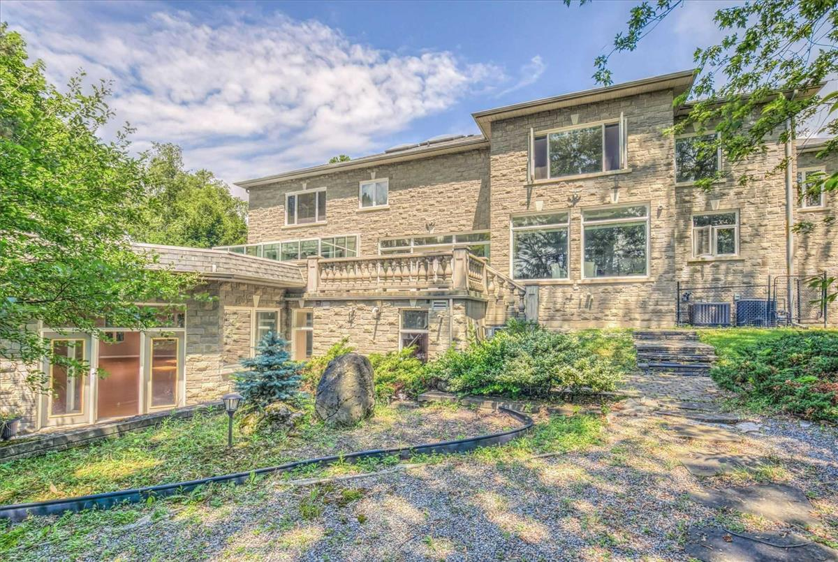 11 Honeywell Pl Toronto Bella Lee