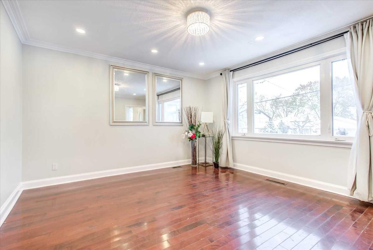 220 Willowdale Ave Toronto Bella Lee